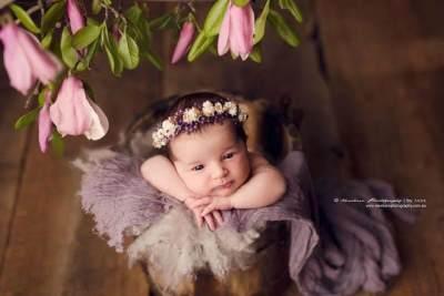 Nama Bayi Perempuan Jawa Bermakna Cantik & Lembut Berawalan Huruf M-N-O