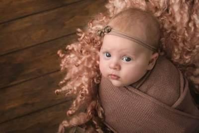 Nama Bayi Perempuan Jawa Bermakna Cantik & Lembut Berawalan Huruf S-T-U