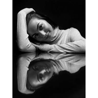 Cantik dan Seksi, Ariel Tatum Pernah Mencoba Bunuh Diri Karena Depresi