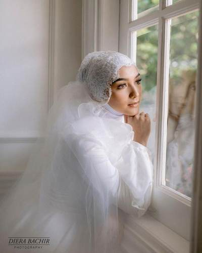 Mulai Go Publik, Citra Kirana - Rezky Aditya Pamer Foto Prewedding yang Elegan