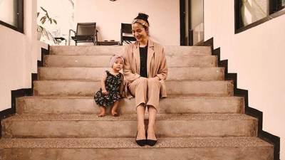 Salah Posisi Saat Menyusui Anak, Putri Marino Alami Cedera Tulang Punggung