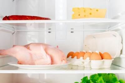 4. Taruhlah telur di bagian dalam lemari es