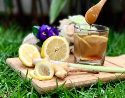 Jaga Kesehatan Tubuh dengan Resep Jahe, Sereh, Lemon dan Madu ala dr. Zaidul Akbar