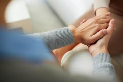 Saat Sahabat Alami Keguguran, Bagaimana Cara Tepat Mendukungnya?