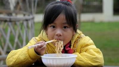 Apa yang Terjadi Jika Anak Sering Makan Mie Instan?
