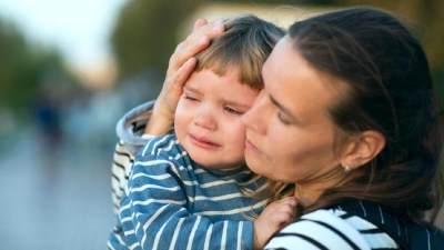 Kisah Sedih Balita Peluk Jasad Ibunya 3 Hari, Bagaimana Cara Mengatasi Trauma Pada Anak?