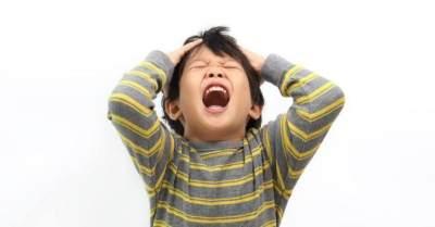 Hati-Hati! 5 Perilaku Orangtua Ini Bisa Sebabkan Gangguan Bipolar Pada Anak