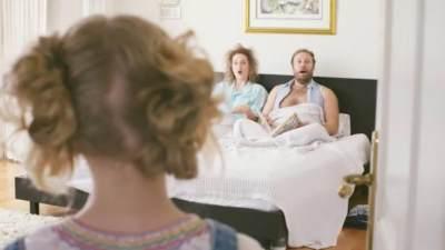 Bercinta Saat Sekamar dengan Anak Balita, Ketahui Risikonya, Moms