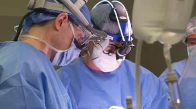 Wanita Ini Jalani Operasi Otak dengan Kondisi Terjaga dan Disiarkan Langsung di Facebook