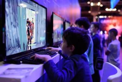 Terlalu Sering Bermain Gadget Turunkan Kemampuan Kognitif Anak? Ini Penjelasannya!