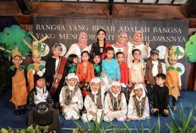Yuni Shara Diam-diam Dirikan Sekolah Di Kampung Halaman, SPP Cuma Rp3.500!