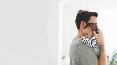 Tahukah Moms, Depresi Pasca Melahirkan Juga Bisa Dialami Ayah? Ini Faktanya!