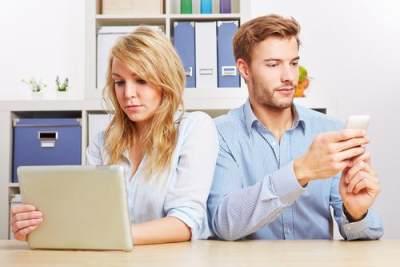 Fenomena Cerai Karena Media Sosial, Ini yang Harus Diwaspadai