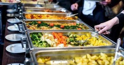 Agar Tidak Cepat Basi, Ini 9 Tips Menyimpan Makanan Sisa yang Bisa Moms Coba
