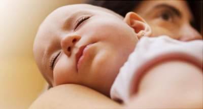 5 Kisah Tragis Bayi Diberi Makan Terlalu Dini, 3 di Antaranya Alami Kematian