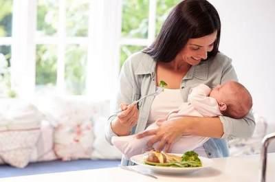 Daftar Makanan Wajib Untuk Ibu Menyusui Agar Bayi Tak Sembelit