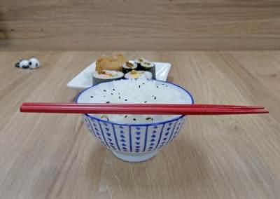 4. Jangan meletakkan sumpit di atas mangkuk