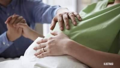 Luar Biasa! Ibu Ini Melahirkan Bayi Di Taksi Online Tanpa Bantuan Dokter