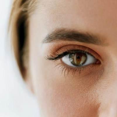 Sering Pakai Eyelash Extension? Waspada Bahaya Kutu Bulu Mata!