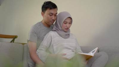 Amalan Terbaik yang Bisa Dilakukan Ibu Hamil Agar Calon Bayi Sholeh & Sholehah