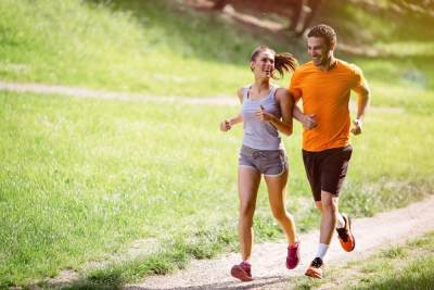 3. Imbangi dengan olahraga yang teratur
