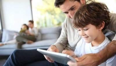 Tips Mengenalkan Gadget Pada Anak
