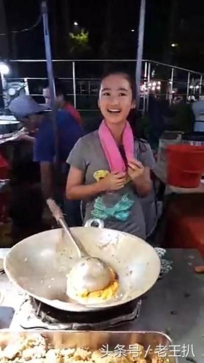 Jago Masak Bak Chef Profesional, Aksi Gadis 14 Tahun Ini Viral di Media Sosial