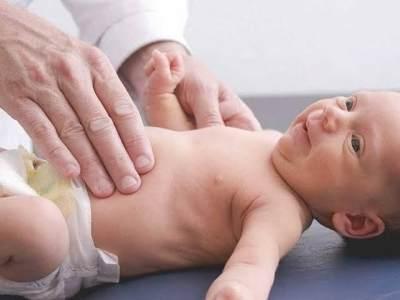 Kenapa Bayi Gumoh? Ini Penyebab Bayi Memuntahkan Makanannya
