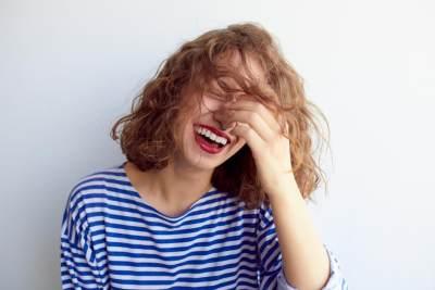 Punya Selera Humor Tinggi, 4 Zodiak Ini Paling Mudah Bikin Orang Tertawa