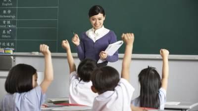 Hari Guru Nasional, Bagaimana Peran Guru yang Benar dalam Tumbuh Kembang Anak?