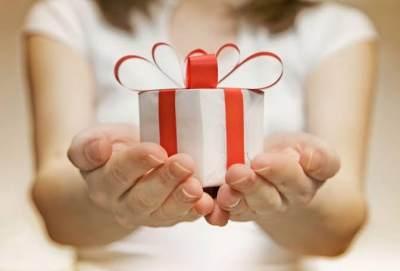 5 Ide Hadiah yang Bisa Diberikan di Hari Guru Nasional, Ini Rekomendasi Ahli