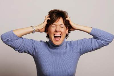Apa Penyebab Moms Mudah Marah di Rumah? Yuk, Cari Tahu Cara Mengatasinya!
