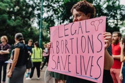 Miris! Seorang Ibu Berikan Minuman Soda Pada Bayinya Karena Tak Bisa Aborsi