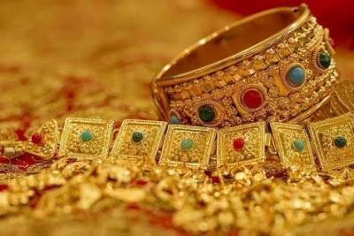 4. Mimpi Melihat Emas yang Indah