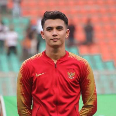 Curi Perhatian di SEA Games 2019, Ini 6 Potret Ganteng Nadeo Argawinata Kiper Timnas U-22