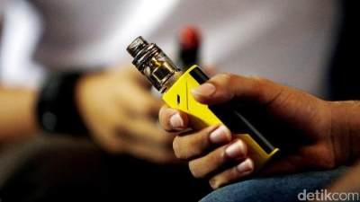 Asap Rokok atau Uap Vape, Mana yang Lebih Berbahaya Bagi Perokok Pasif?
