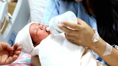 Amankah Susu Formula Untuk Bayi? Ketahui Dulu Risikonya Yuk, Moms
