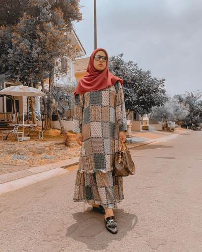 5 Tips Mix & Match Pakaian Syar'i Agar Tetap Modis ala Fairuz A Rafiq