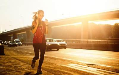 Tips Olahraga yang Aman dan Sehat di Tengah Tingginya Polusi Udara Perkotaan