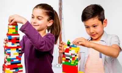 Pilih yang Edukatif, Ini 5 Rekomendasi Mainan Untuk Kado Natal Spesial Anak