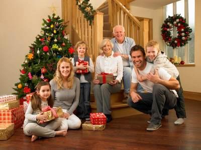 Tips Mix & Match Outfit Untuk Foto Keluarga yang Berkesan di Momen Natal