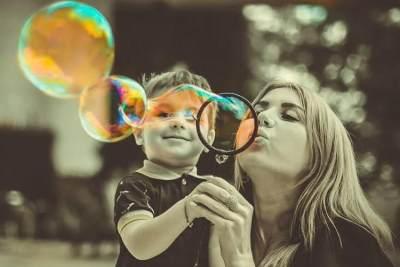 Perkuat Bonding dengan Anak, Ini 7 Sikap Orang Tua yang Disukai Si Kecil