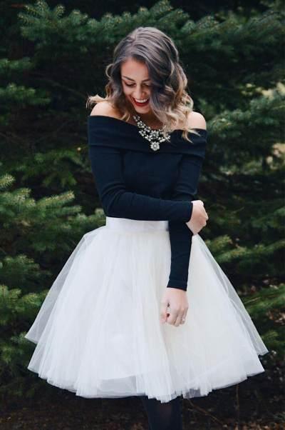 Tampil Klasik Hingga Feminin, Ini 5 Inspirasi Fashion Untuk Natal dan Tahun Baru!