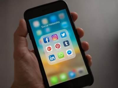 Memulihkan Obrolan WhatsApp Melalui Cadangan Lokal Di Ponsel