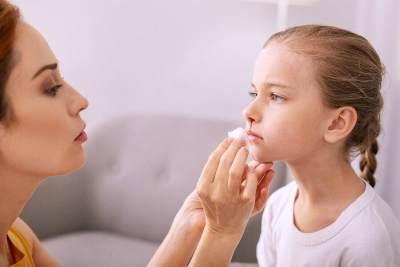 Penyebab Mimisan Pada Anak dan Cara Menanganinya, Kapan Harus Ke Dokter?