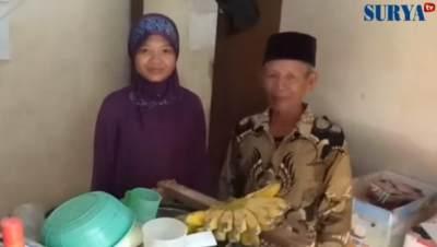 Pria 70 Tahun Nikahi Wanita 28 Tahun dengan Mahar Rp50 Ribu, Bukan Karena Harta!