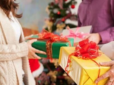 5 Inspirasi Kado Natal Unik Untuk Pasangan, Simak Tipsnya Juga, Yuk!