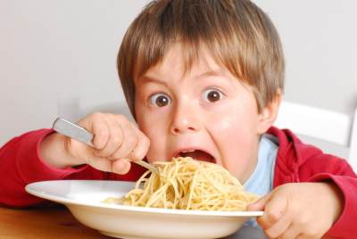 Anak Banyak Makan dan Selalu Lapar, Bagaimana Cara Menghadapinya?