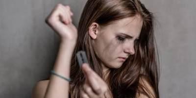 Moms, Ini 5 Gejala 'Lampu Merah' Perilaku Remaja yang Perlu Jadi Perhatian Khusus!