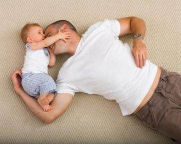 Waspada Dad Shaming, Kritikan Istri yang Bikin Suami Malas Urus Anak